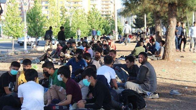 Macaristan'dan AB'ye uyarı: Göç dalgası durdurulmalı