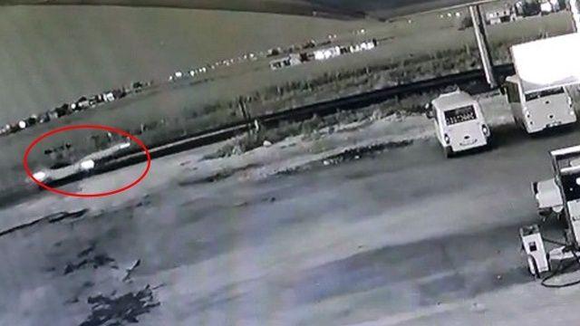 Feci ölüm: Otomobil çarptı metrelerce havaya fırlattı