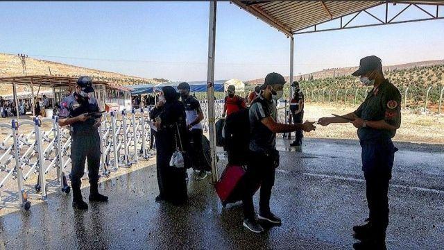 Suriyeliler Kurban Bayramı için yollara düştü
