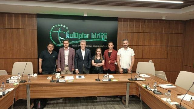 TSYD Trabzon Şubesi, Ahmet Ağaoğlu'nu ziyaret etti