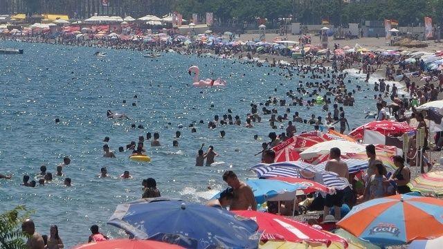 Turizm beldelerine akın, vaka sayılarını patlattı