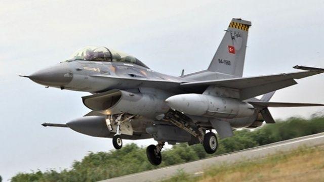 Türk F-16'ları Polonya'da havalandı: Görevlere daima hazır