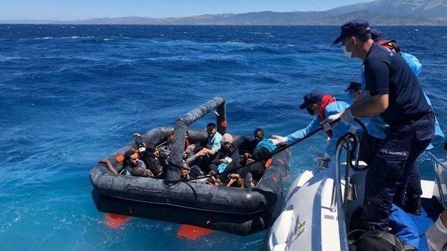 Yunanistan'ın ölüme ittiği 26 göçmen Türkiye tarafından kurtarıldı