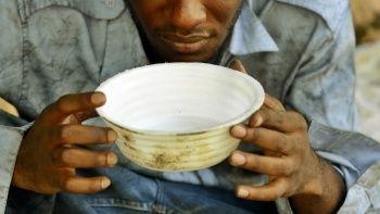 100 milyon kişi aşırı yoksulluk pençesinde