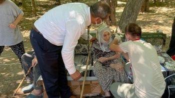 101 yaşında korona aşısı oldu