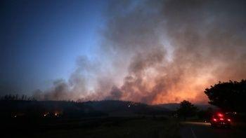 Adana'daki yangın 2 ilçeye sıçradı