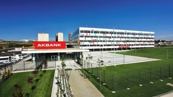 Akbank saat verdi: İşlemler kademeli olarak başlayacak
