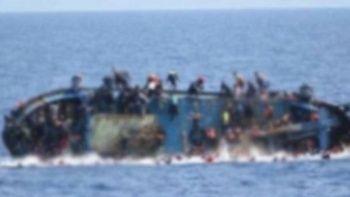 Akdeniz'i geçmeye çalışan göçmenlerin teknesi Tunus'ta battı: 21 ölü