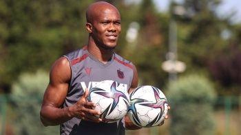 Anthony Nwakaeme: Ronaldinho'ya karşı oynamak isterdim
