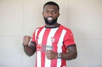 Azubuike Okechukwu resmen Sivasspor'da