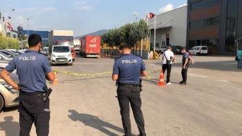 Fabrika önünde bekleyen işçiye kurşun yağdırdı