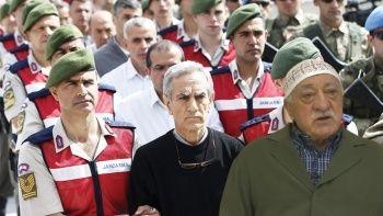 FETÖ elebaşı 15 Temmuz ihanetinin düğmesine yüzde 49 ile bastı