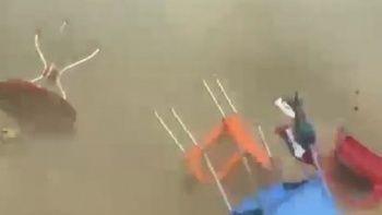 Balıkesir'de hortum paniği kamerada