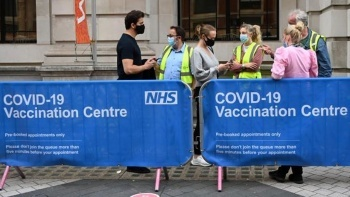 İngiltere'de salgın kabusu yeniden yükselişe geçti