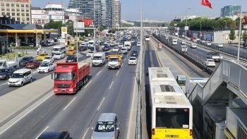 İstanbul'da kısıtlamalar sona erdi, hayat normale dönmeye başladı