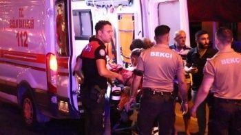 İzmir'de 'omuz atma' kavgası kanlı bitti