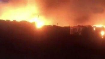 Lübnan'daki Suriyeli mülteci kampında yangın: Yaralılar var
