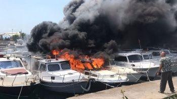 Maltepe sahilinde yangın: 8 tekne kül oldu