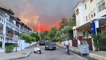 Marmaris'teki yangının acı bilançosu: 1 fabrika onlarca ev yandı