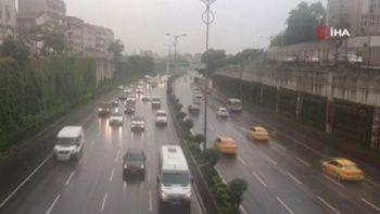 Meteoroloji uyarmıştı: İstanbul'da sağanak başladı