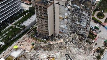 Miami'de bir kısmı çöken 13 katlı binanın tamamen yıkılacak