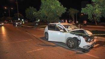 Otomobil ile elektrikli bisikletin çarpıştığı kazada 2 kişi öldü