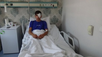 Rastgele atılan maytap, 17 yaşındaki genci sol gözünden etti