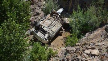 Şarampole yuvarlanan otomobil 3 aylık bebeğe mezar oldu