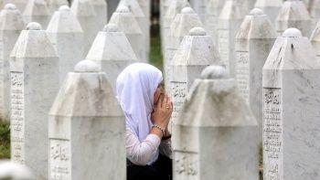 Srebrenitsa soykırımının üzerinden 26 yıl geçti: 19 kişi toprağa verildi