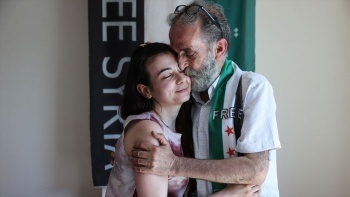 Suriyeli baba ile kızı 12 yıl sonra İstanbul'da birbirine kavuştu