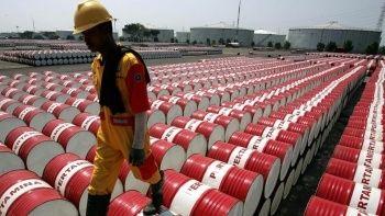 Suudi Arabistan ve BAE petrol üretimi üzerinde uzlaştılar