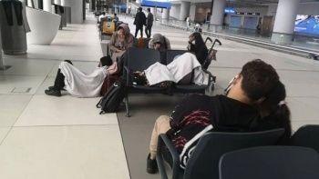 Taliban'dan kaçan Afgan aile İstanbul Havalimanı'nda mahsur kaldı