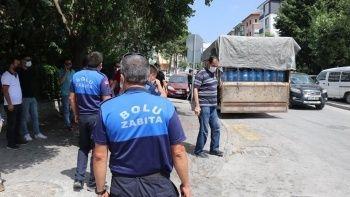 Yabancılar için 20 ton su getiren iş adamına vatandaştan tepki