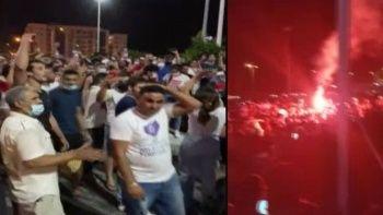 Tunus'ta halk sokağa döküldü darbeyi kutladı