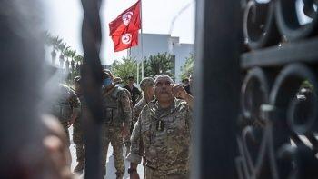 Tunus'tan sonra sıra Cezayir'de