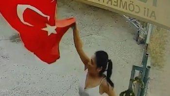 Türk bayrağını çöpe atan kadın tutuklandı