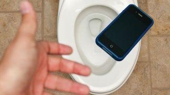 Tuvalete düşen telefonunu almak isteyen kız zehirlenerek öldü