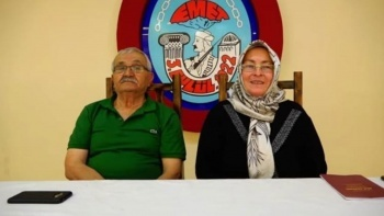Yaşlı çift yıldırım nikahı ile evlendi