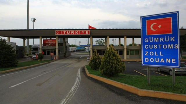 Yunanistan 17 ay sonra Türkiye'ye kapılarını açtı