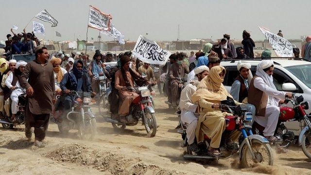 Afganistan'ın 3 büyük kentini Taliban sardı
