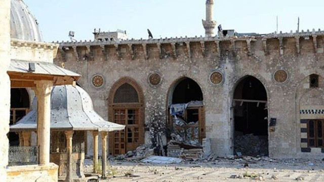 Esed güçleri camiye saldırdı