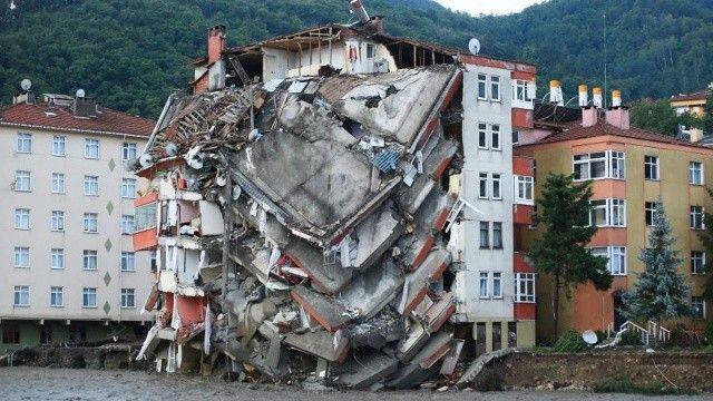 Kastamonu, Bartın ve Sinop'taki sel felaketinde can kaybı 17'ye yükseldi