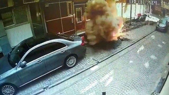 Kazmayı yanlış yere vurdu: Elektrik hattını patlattı