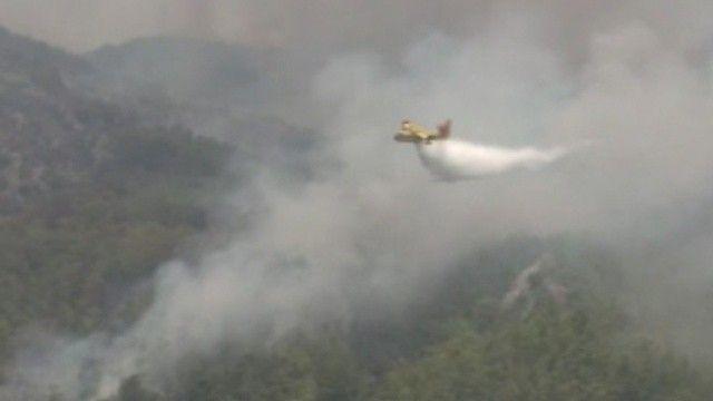 Köyceğiz'de yangınla mücadele: Uçaklardan sorti üstüne sorti