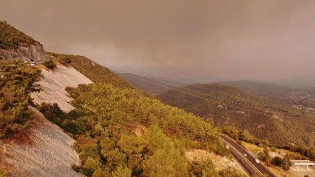 Muğla'da dumanlar yükseliyor: Gökyüzü griye boyandı