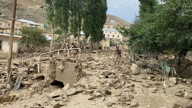 Van'da sel felaketi: Dereler taştı! Evler boşaltıldı!