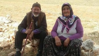 63 yıllık evli çifti, ölüm bile ayıramadı