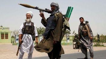 Afganistan'da havalimanına roketli saldırı