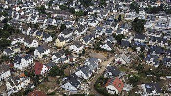 Almanya sel felaketini atlatamadı! 20 bin evde telefon bağlantısı yok