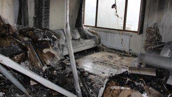Apartman dairesi çıkan yangında küle döndü